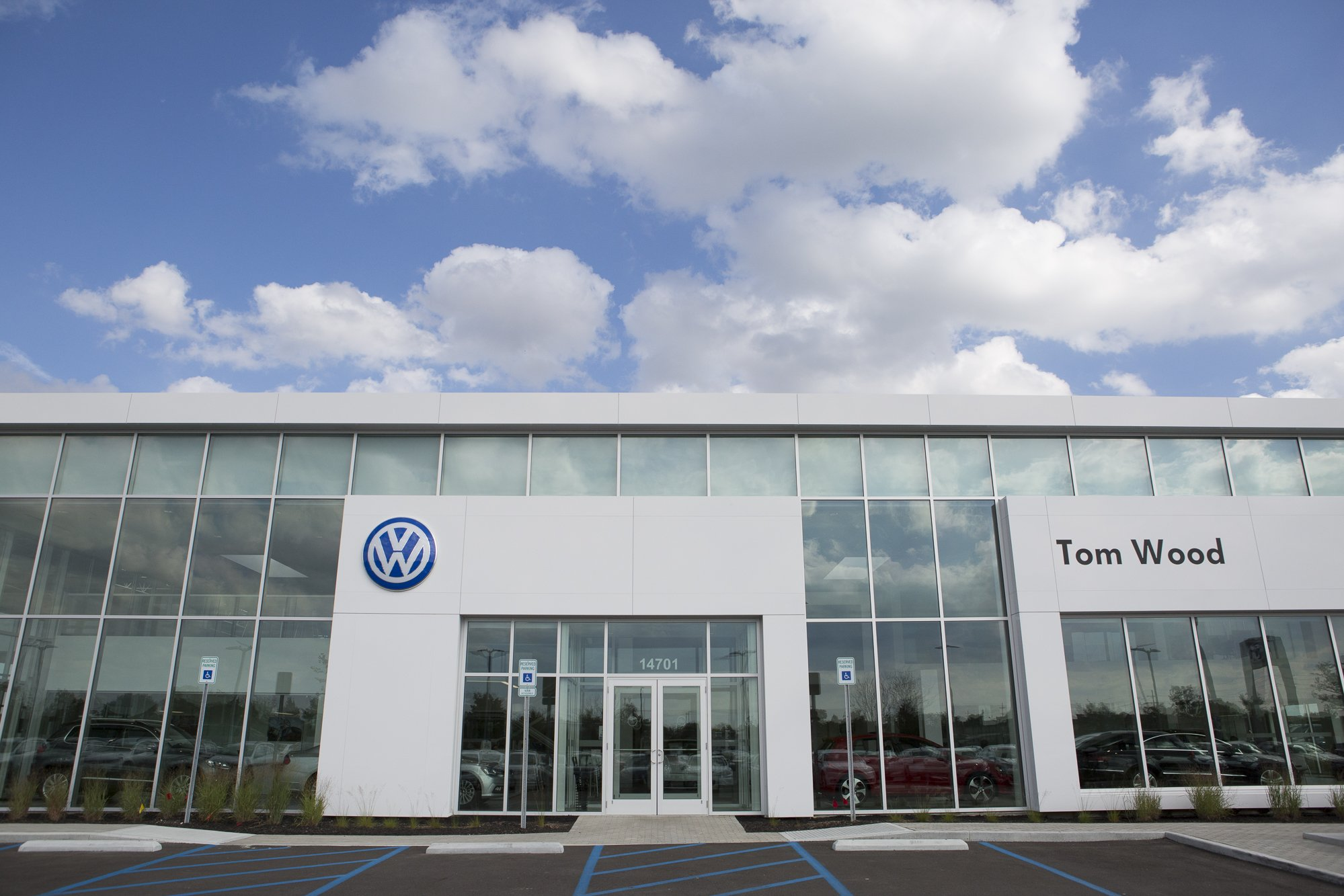 Capitol Construction: Tom Wood Volkswagen | Commercial Photography