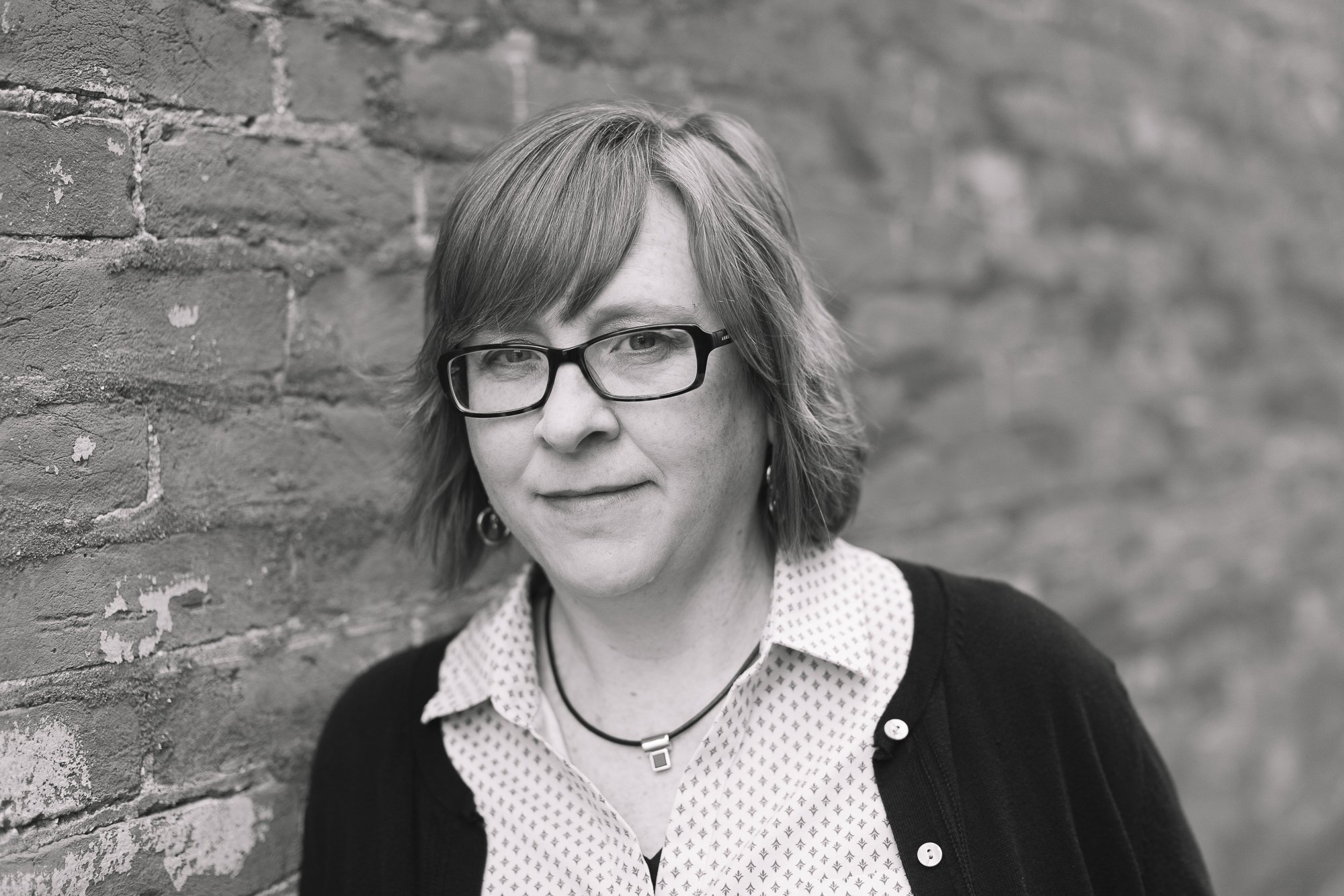 Professional Headshots — Author Charity Singleton Craig — 5